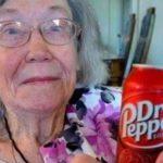 104歳のおばあちゃんの長生きの秘訣はドクターペッパーを毎日飲むことだった…「忠告してきた医師は皆死んだわ」
