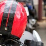 ヘルメットをミラーにかけてはいけない理由…ヘルメットのメーカーの訴えに驚きの声続出…