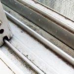 窓のサッシが一瞬でピッカピカに…あるようで無かった衝撃の清掃方法が話題に…
