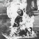 衆生救済のため焼身自殺の僧侶…遺灰から信じられないものが発見される…
